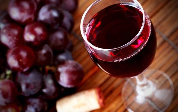 бокал вкусного вина
