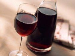 выбор ягод для приготовления вина